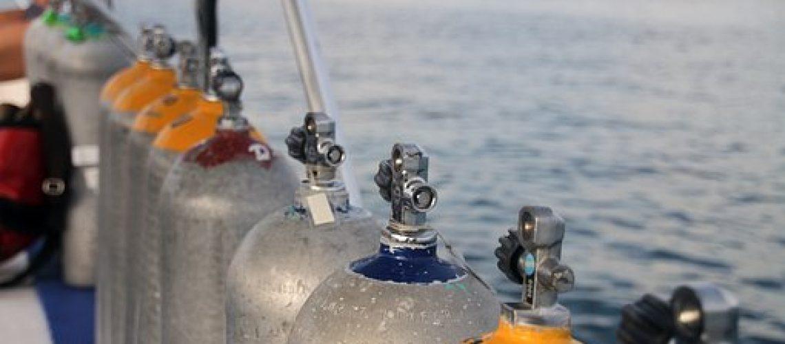 botellas de submarinismo